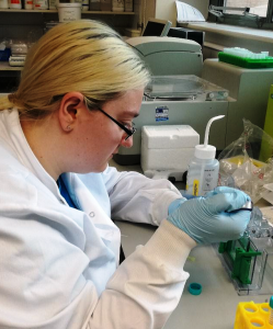 Animal Free Research UK summer student, Lauren Richardson, preparing separation gels that helped her identify proteins linked to Parkinson's disease.